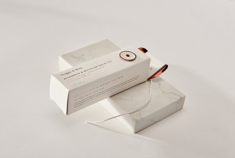 twiggie-and-rose-print-packaging-big-details-parse-parcel-03